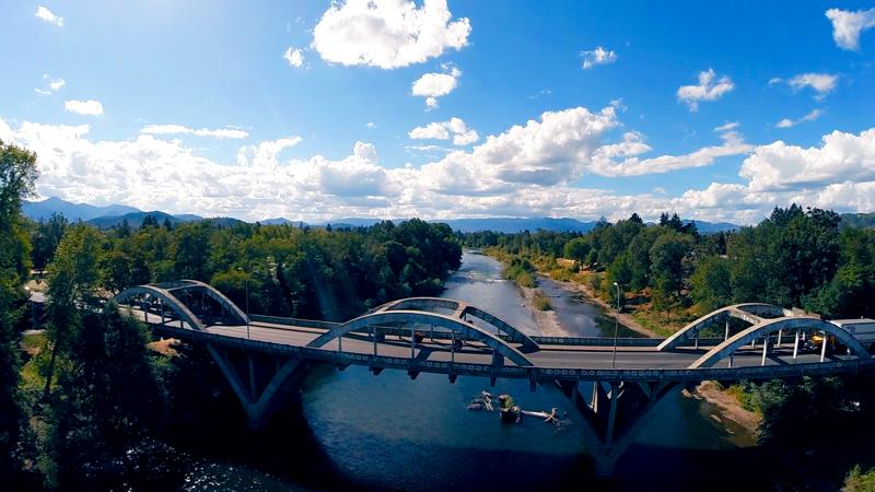 4949 leonard road grants pass oregon rogue river bridge view