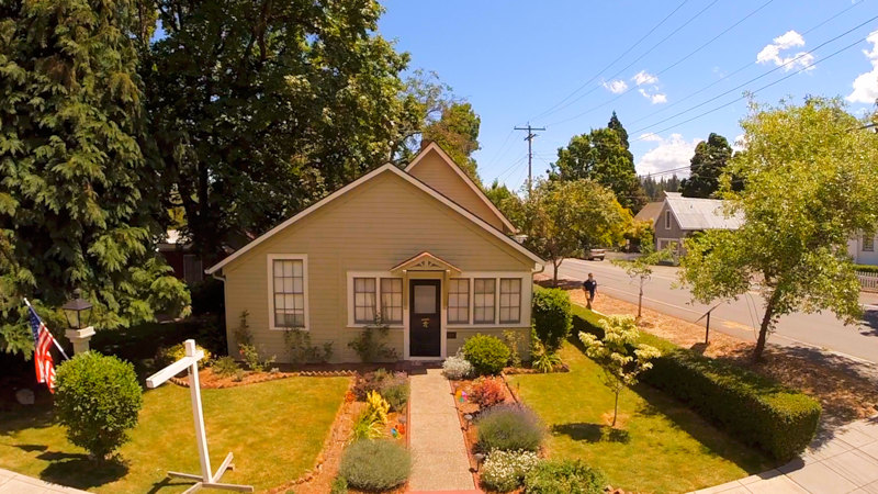 160 E C Street Jacksonville Oregon