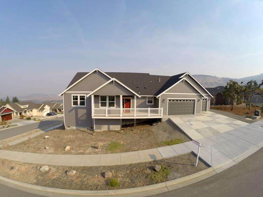 3441 Cadet Drive Medford Oregon Front Of House